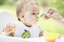 1岁以下宝宝别喝果汁