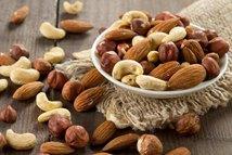 每天一把坚果减少中年发福