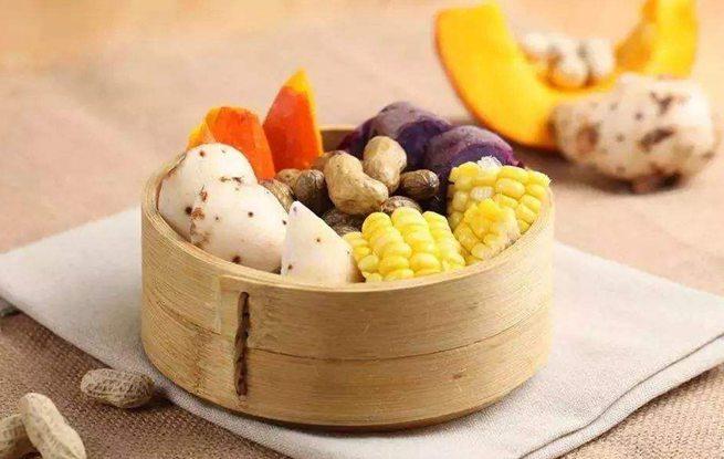 吃粗粮可防治心血管疾病 老年人应每天吃100克粗粮