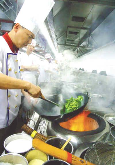 北京 餐馆/餐馆炒菜放盐多少,全在厨师掌控之中